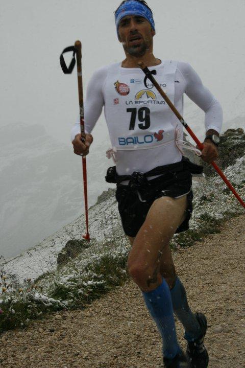 Luis A. Hernando, corriendo en Dolomitas 2011