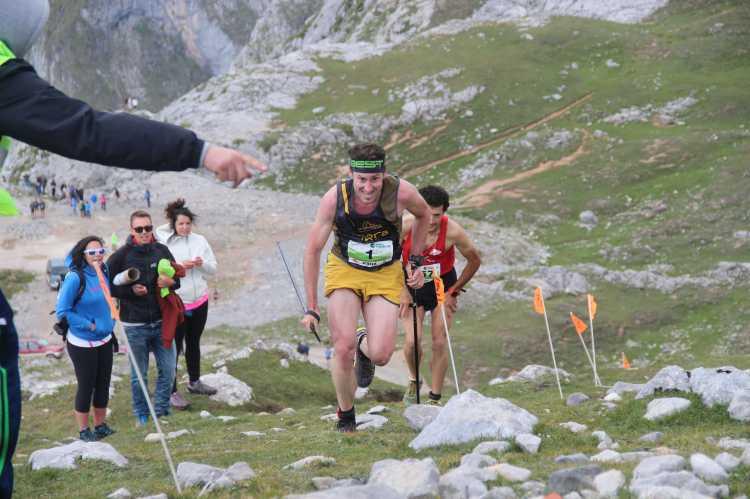 Láriz gana a Crespo al sprint el V Km Vertical® Fuente Dé 2014