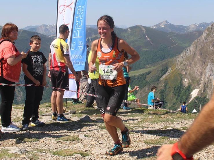 Azara García, la campeona cántabra  que dio una lección de orgullo competitivo en Picos de Europa.