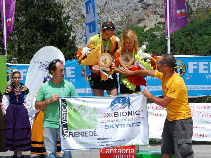 Entrega premio Hermanamiento KV Fuente Dé-Courmayeur Mont Blanc