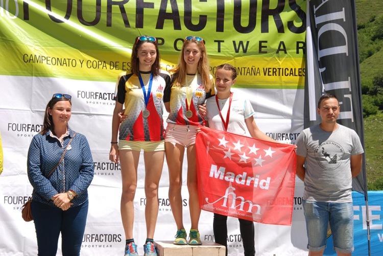 Junior femenino-Laia Aguilar, María Beringues, Lara Cerezo